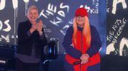 """Tones and I chante """"Dance Monkey"""" chez Ellen DeGeneres et c'est toujours aussi intense"""
