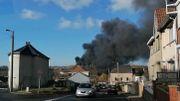 Roux : impressionnant incendie dans une usine