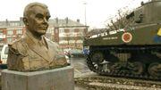 """""""Nuts!"""": le 22décembre 1944, le général américain McAuliffe refuse de se rendre aux Allemands qui assiègent Bastogne"""