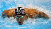 Michael Phelps affronte un requin blanc sur un 100m! (Vidéo)