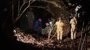 Les équipes de secours ont agrandi des passages de la grotte pour permettre le passage d'une civière.