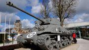 Chars de combat et Jeep de la Seconde guerre mondiale à vendre