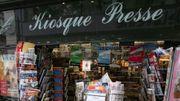 Des Parisiens à la rescousse de leurs emblématiques kiosques à journaux