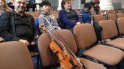 Les jeunes violonistes viennent parfois de très loin pour participer au concours Arthur Grumiaux.