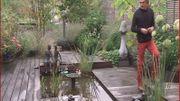 Dominique Denis dans le jardin qu'il a créé