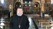 Le Père abbé Lambert Vos dans l'église byzantine de l'abbaye de Chevetogne