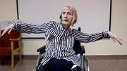 Une ancienne ballerine atteinte d'Alzheimer se souvient des mouvements du Lac des Cygnes à l'écoute de la musique