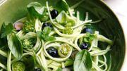 Recette : Tagliatelles de concombre aux tomates cerises et myrtilles