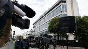 Le bâtiment de la DCRI à Levallois-Perret, aux portes de Paris, entouré de caméras.