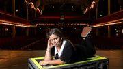 Inès Reg, l'humoriste qui met des paillettes dans le stand-up français