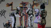 Banksy rend hommage à Basquiat avec deux fresques à Londres