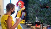 Clown fou furieux et sushi aux yeux de poissons, un Stress en cuisine sous haute tension