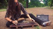 [Zapping 21] Il joue de la guitare avec un skateboard