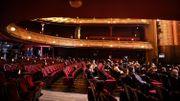 """Le Théâtre du Châtelet """"rempli"""" avec les distances recommandées"""