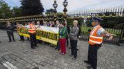 La police fait évacuer les quelques militants du Vlaams Belang