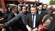 """Macron se lave les mains après avoir serré celles de """"pauvres"""": décryptage d'une rumeur"""