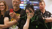 Billie Eilish émue aux larmes par une incroyable reprise d'une de ses chansons dans un aéroport