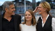 Une charge contre les médias et la finance avec le duo Clooney-Roberts à Cannes