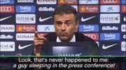 Luis Enrique interrompu par... la sieste d'un journaliste