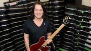 Deux guitares de Van Halen en vente
