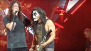 Dave Grohl se prosterne devant l'incroyable performance d'un fan monté sur scène