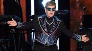 Elton John célèbre 30 ans de sobriété