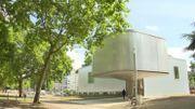Aujourd'hui, toujours planté dans le parc d'Avroy, au centre de Liège, le bâtiment devient le Trinkhall museum.