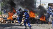 """Les forces de police font face aux manifestants """"anti-troisième-mandat"""" depuis plusieurs jours. Ces affrontements auraient fait au moins cinq morts depuis le 26 avril."""