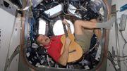 L'astronaute Hadfield va sortir un album enregistré dans l'espace
