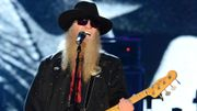 """Flashback: Quand Dusty Hill chantait """"Tush"""" au Rock & Roll Hall of Fame"""