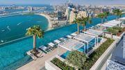 Une piscine à 300 mètres de haut: un nouveau projet complètement fou inauguré à Dubaï