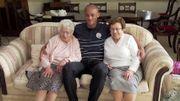 Vincent Kompany à la rencontre de deux fans de... 101 et 96 ans