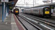 Un contrôleur de train dénonce l'interdiction du bermuda en portant une jupe !