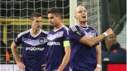 Anderlecht en prend trois en 13 minutes et laisse la première place à Saint-Etienne