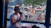 'J'ai envie qu'on soit frais': regardez la folle interview de Mustii aux Ardentes
