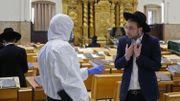 Le respect des règles de confinement pose problème au sein de certaines communautés religieuses ultra-orthodoxes