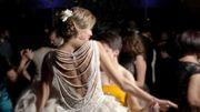"""""""Faites-le si vous voulez que l'épidémie recommence"""", l'inquiétude des experts à propos de l'autorisation de danser aux mariages"""