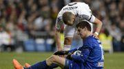 """Courtois encense Benzema, qui a failli """"lui casser le nez à l'entrainement"""""""