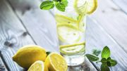 Tranches de citron dans les boissons: attention aux pesticides