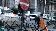 Le Palais de Justice de Bruxelles hautement sécurisé et les fouilles supplémentaires de l'entrée