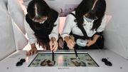 """Le """"purikura"""", le photomaton des jeunes Japonaises qui survit au selfie"""