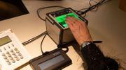 Un lecteur d'empreintes digitales.