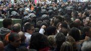 La police nationale s'est déployée devant les bureaux de vote