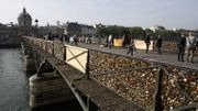 C'est la fin des cadenas d'amour sur le Pont des Arts (Photos et Vidéos)