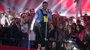 L'entrée déjantée de Loïc Nottet aux D6bels Music Awards !