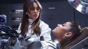 """Ariana Grande fabrique un robot à son image dans le clip de la chanson charnelle """"34+35"""""""