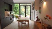 Deux nouvelles petites maisons économes en énergie dans un écrin de verdure bruxellois