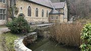 Il y aura des jeux d'eau dans le bassin devant l'entrée de l'église de l'abbaye de Marche-les-Dames.