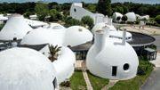 A Beg-Meil, un village vacances à l'architecture bulles aux airs des Barbapapas