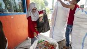 Indonésie: à Surabaya, un ticket de bus coûte trois bouteilles ou dix gobelets en plastique